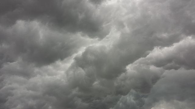 storm-clouds-426271_640